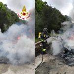 Auto in fiamme sulla 131 Dcn, il conducente riesce a mettersi in salvo
