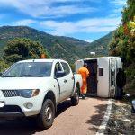 Incidente all'altezza di Gairo, 65enne si ribalta con il furgone