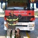 Una nuova arrivata nei vigili del fuoco di Nuoro, è Zara il labrador delle unità cinofile
