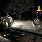 Esce fuori strada a Dorgali e si ribalta,  conducente resta ferito