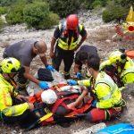 Cade e si ferisce alla testa durante un'escursione: soccorso a Urzulei